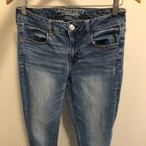 American Eagle skinny jeans size 10, but more 6